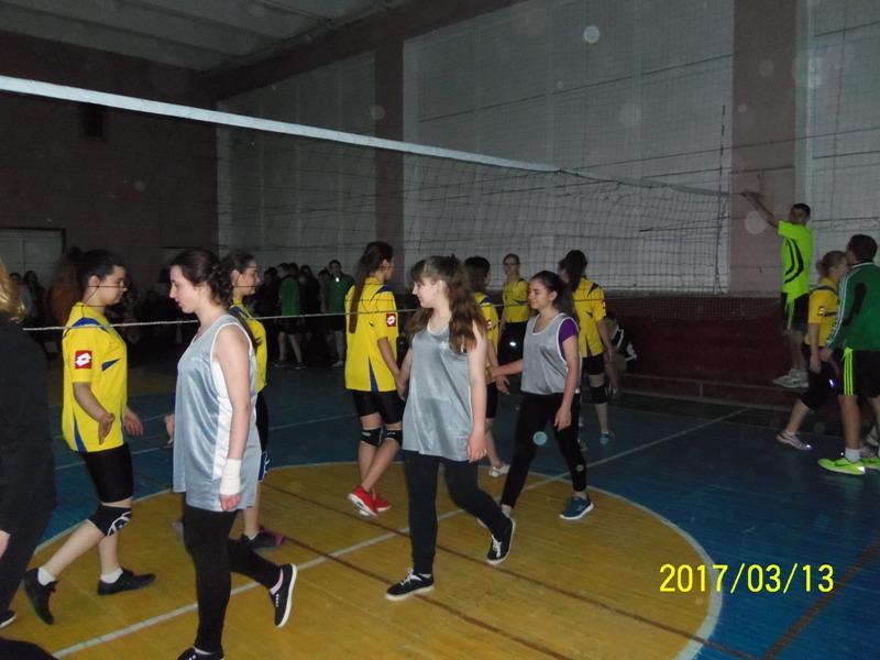 Обласні півфінальні змагання з волейболу