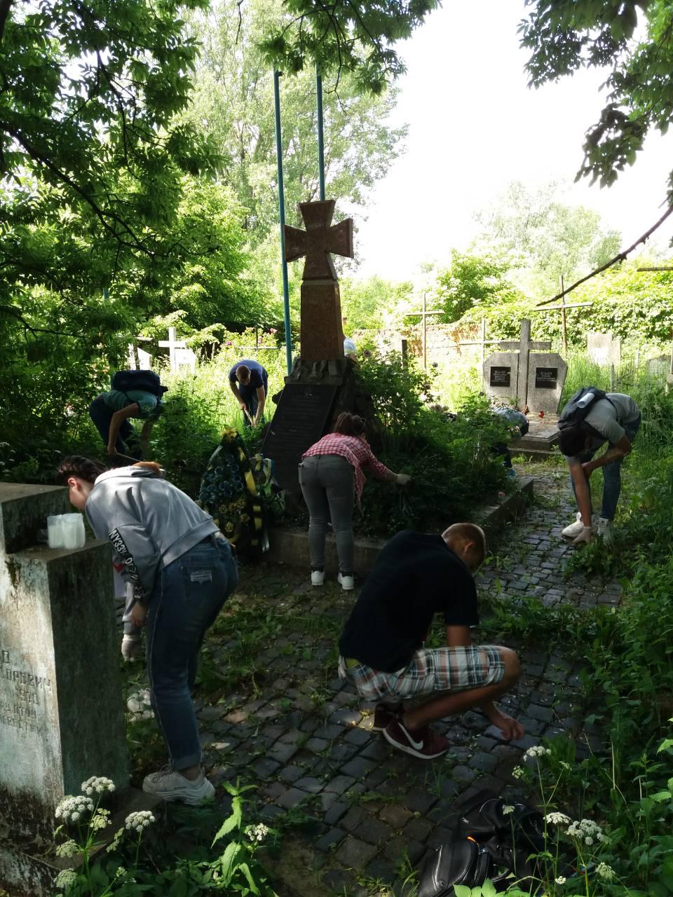 Вшанування пам'яті полеглих Героїв України